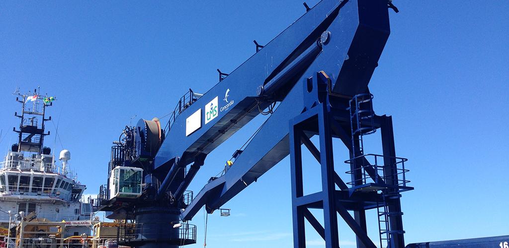 knuckle-and-telescopic-boom-marine-crane